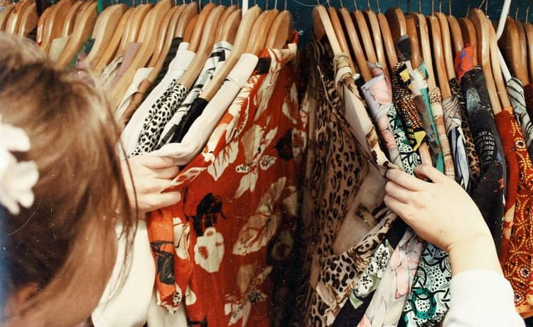 Ketahui Ragam Tips Memilih Warna Baju Sesuai Skin Tone Anda
