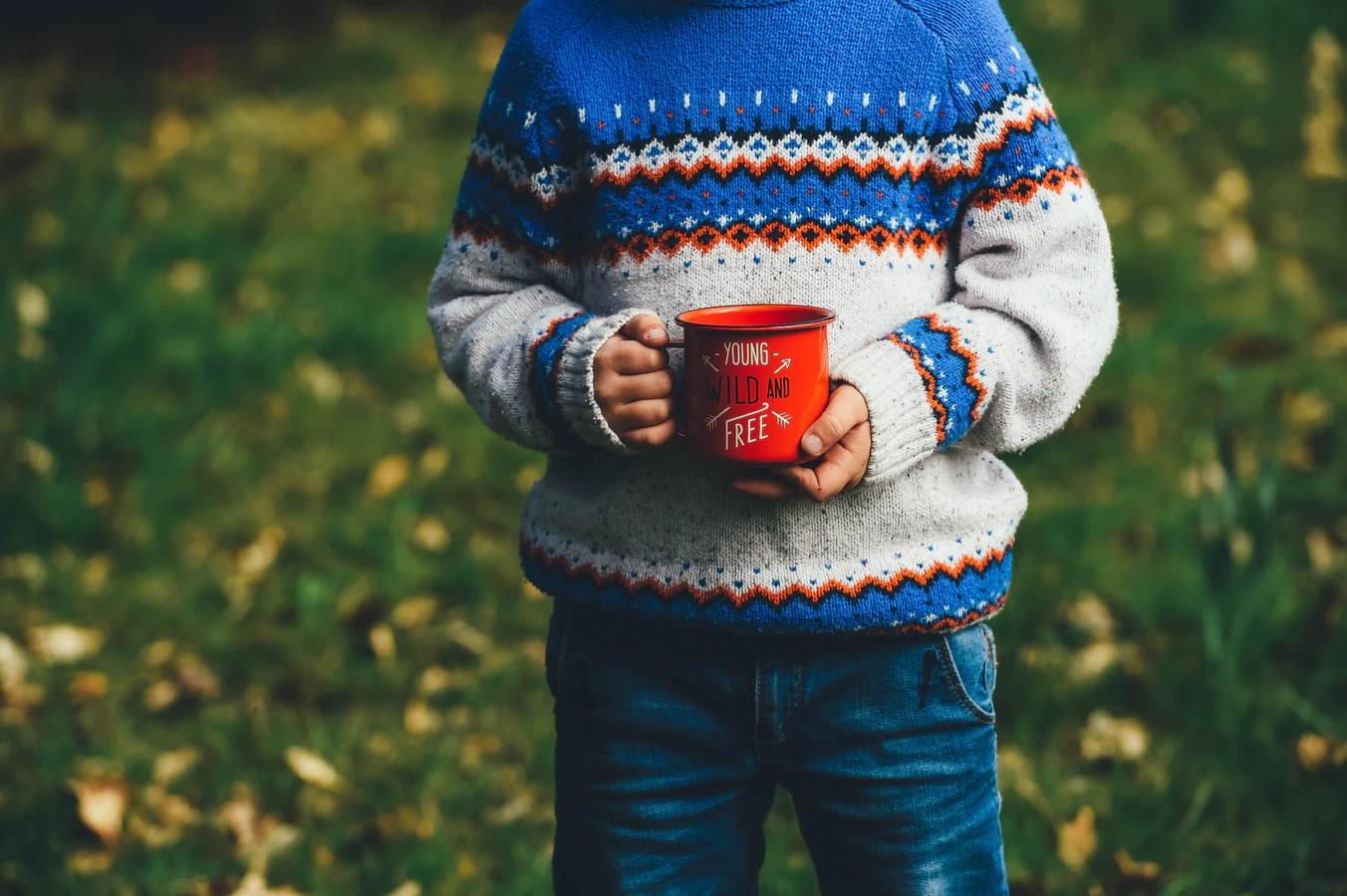 9 Desain Menarik Souvenir Mug Anak untuk Promosi