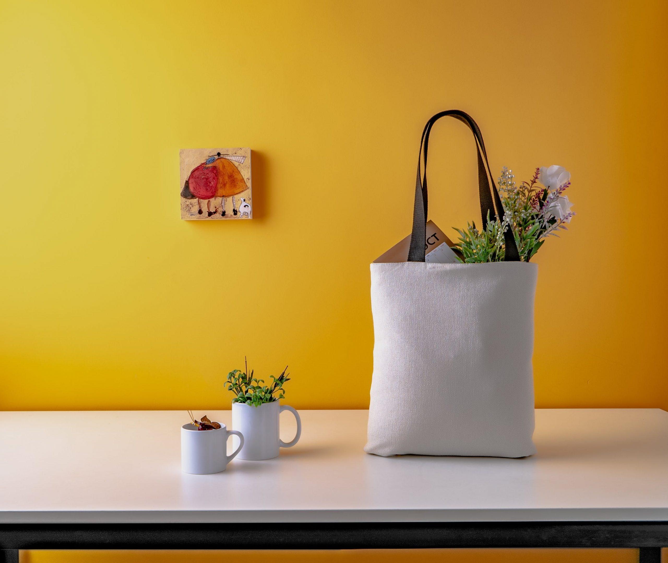 Inspirasi Desain Tote Bag untuk Melengkapi Berbagai Acara Anda